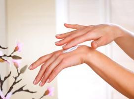 Top 10 Thương hiệu kem dưỡng da tay được ưa chuộng nhất hiện nay
