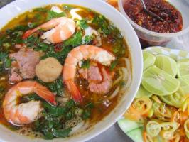 Top 5 Hàng bún Thái chua cay ngon khó cưỡng ở Sài Gòn