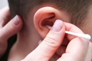 Top 8 Thương hiệu tăm bông vệ sinh tai an toàn và được tin dùng nhất hiện nay